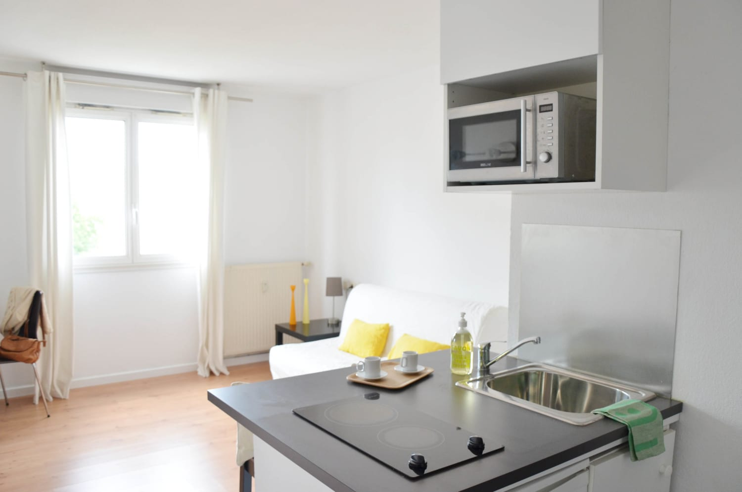 One-room apartment equipped kitchen at La Timone Marseille