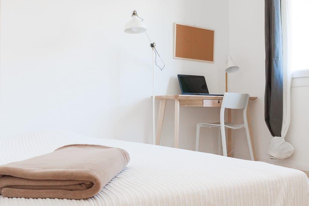 chambre meublée dans une colocation moderne