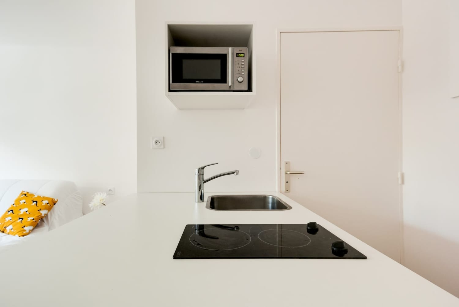 Individual one-room apartment in Marseille